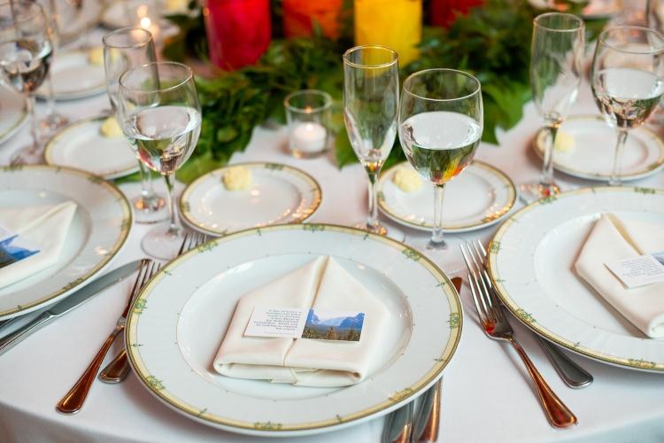 Wedding place dinner setting